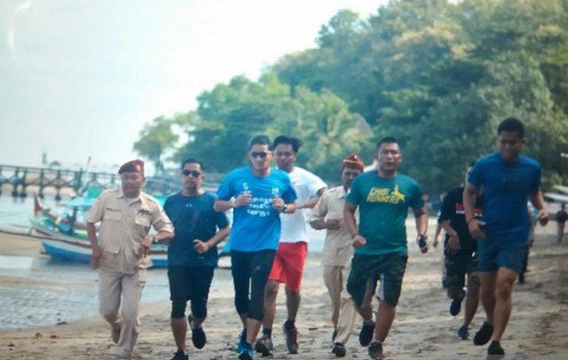 Sandiaga Berolahraga Dan Bertemu Umkm Di Wisata Pasir Putih Situbondo Suara Karya
